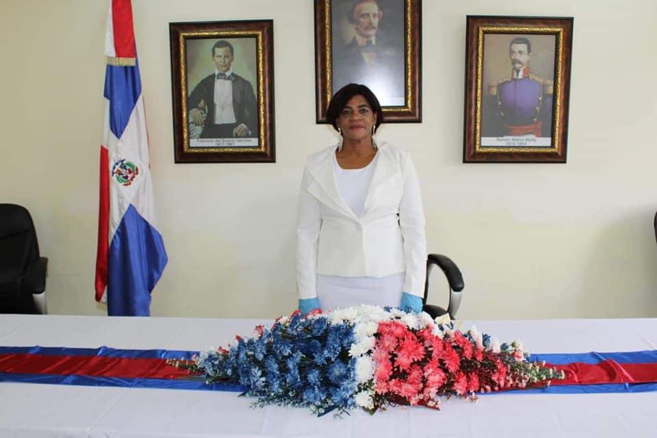 Angela Dipre asume alcaldía de palenque y agradece a su pueblo