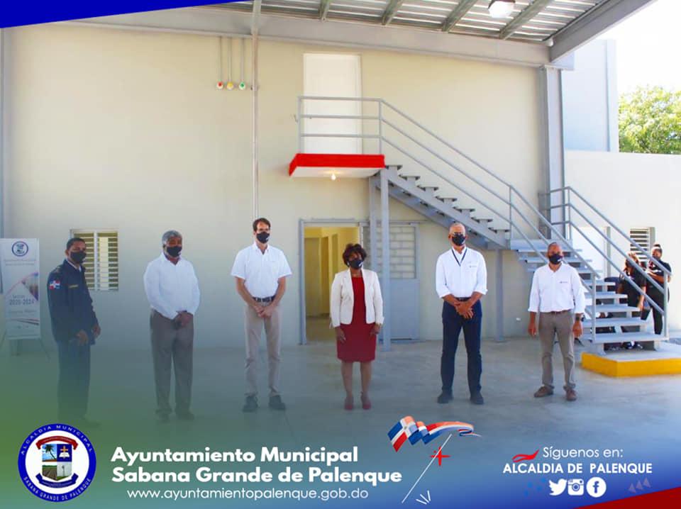 Cemento Domicem y el Ayuntamiento de Sabana Grande de Palenque Construyen un Moderno Local de Bomberos.